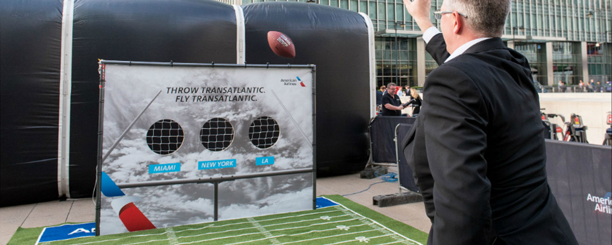 American Airlines Reach Out to Commuters with Experiential Sports Lounge in the Heart of London